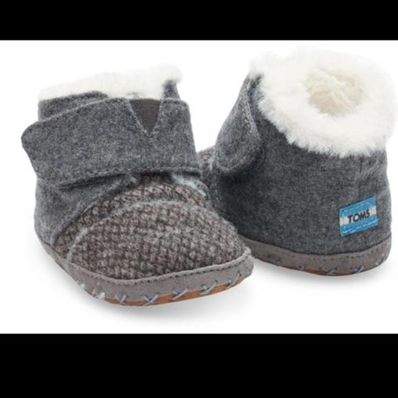 c5c0d4b90fa77 Toms Shoes | Cuna Boots | Poshmark